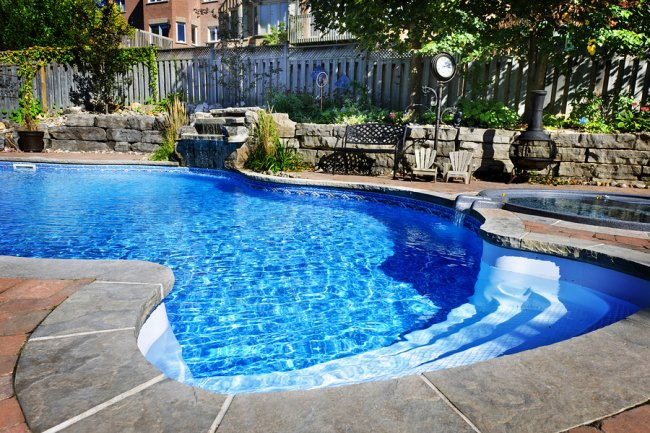 Brand New Pool Fence Building in San Jose